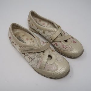 Womens Floral Sketchers Comfort Shoes Size 8